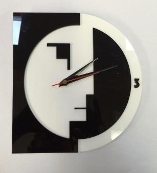 Y8 Bauhaus Clock